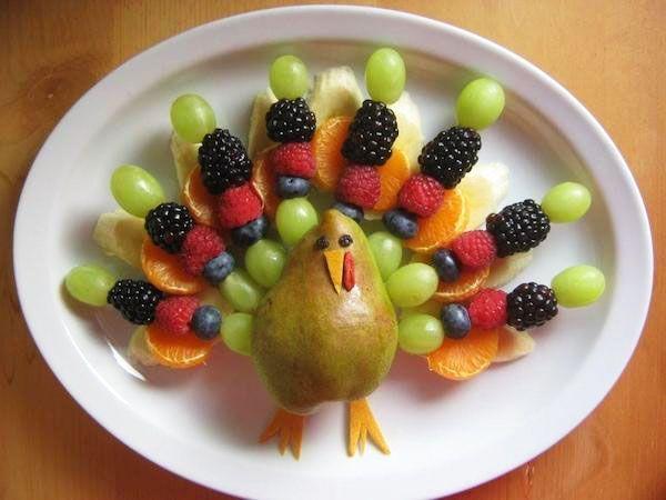 Recetas divertidas con fruta: pavo real tutti-frutti
